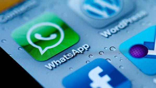 """مغاربة يردون على شركات الاتصالات بعد وقف """" واتساب"""" حبسو_حتى_الانترنت"""