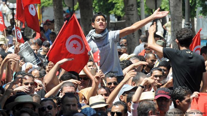 تحقيق-البطالة والتهميش.. قنابل موقوتة تنذر بانتفاضة جديدة في تونس