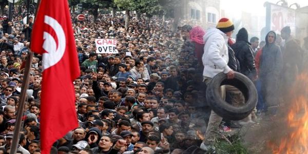 """السيسي يدعو التونسيين الى """"عدم اضاعة بلدهم"""""""