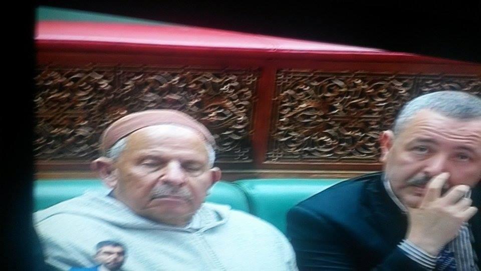 بالصور: مستشارون نائمون في مجلس المستشارين