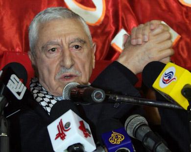 حواتمة: ندعو عباس واللجنة التنفيذية لمنظمة التحرير إلى وقف التنسيق الأمني مع دولة الاحتلال والاستيطان