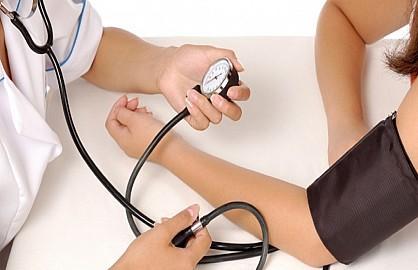 الحكومة تفتح باب التغطية الصحية ل 10 ملايين من الخواص والصناع والفلاحين