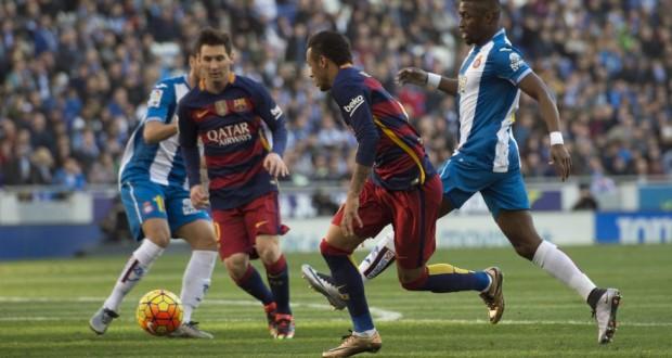 برشلونة يعاقب اسبانيول في دربي كاتالونيا
