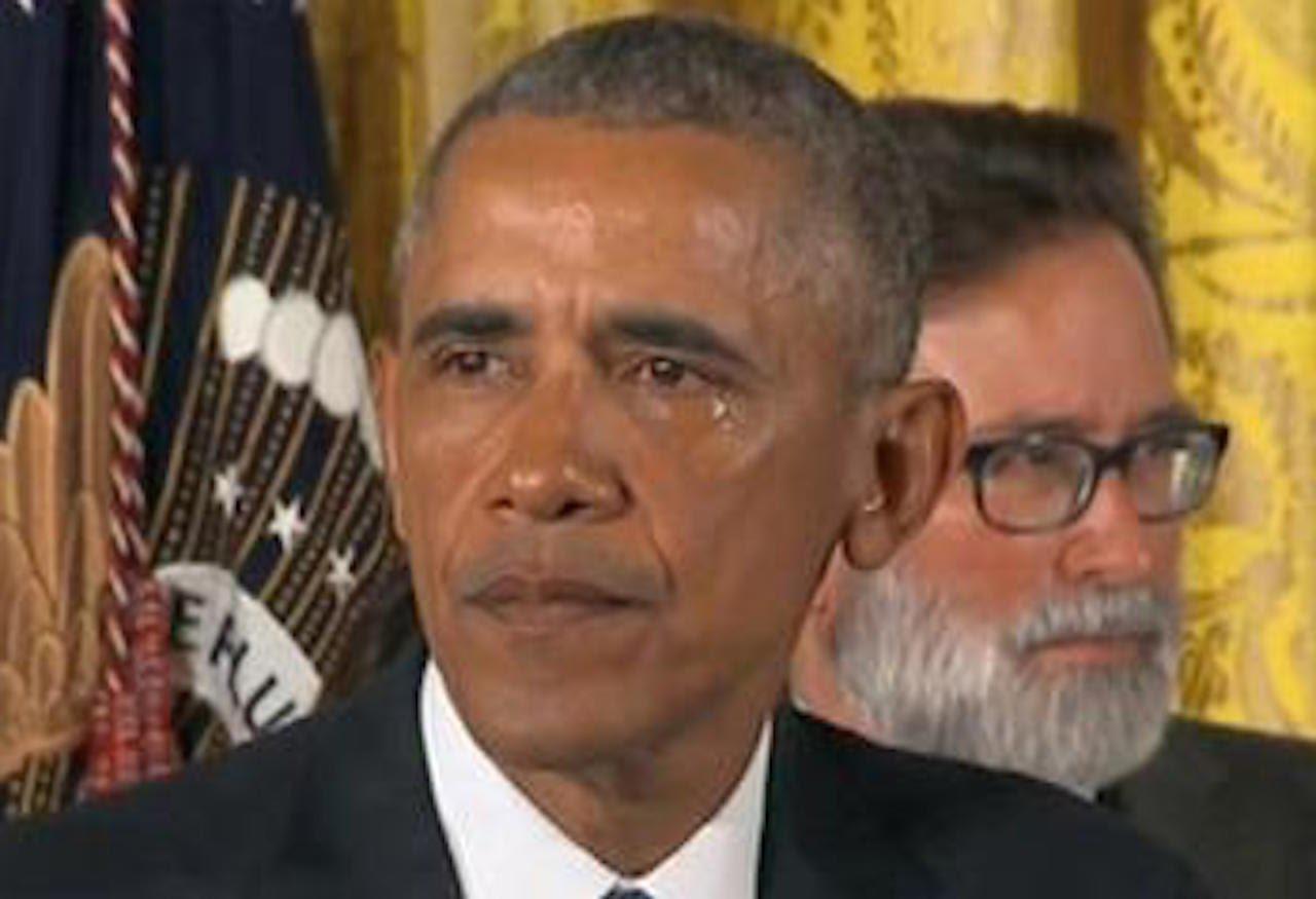 اوباما يبكي