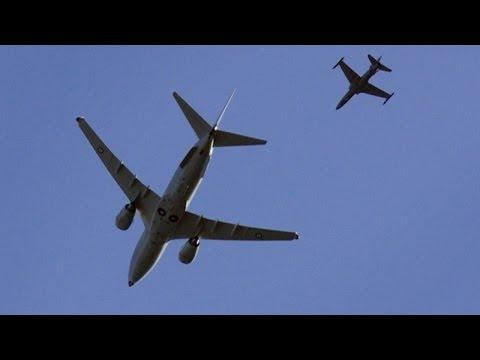 """فيديو.. سباق بين ثلاث طائرات ركاب """"بوينغ"""""""