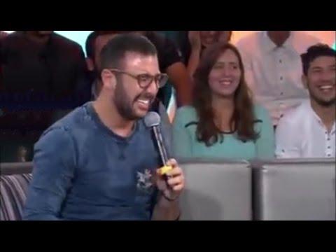 الكوميدي ايكو يصاب بنوبة ضحك هستيرية أثناء تسجيل برنامج تلفزي