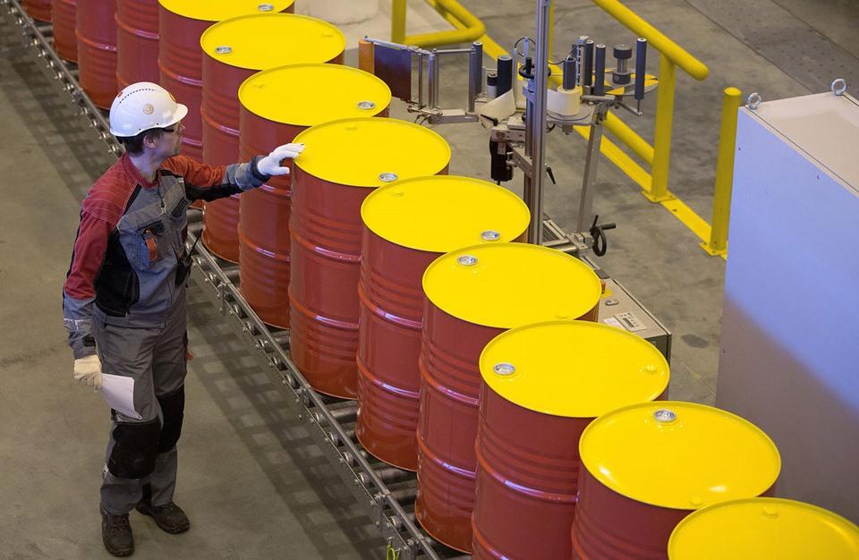 انتعاش أسعار النفط في أولى التعاملات الأسيوية مدعوما بارتفاع الأسهم الصينية