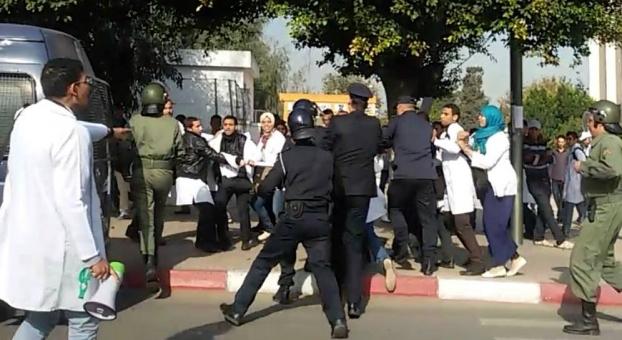 جماعة العدل والاحسان تقصف حكومة بن كيران بسبب الاساتذة المتدربين