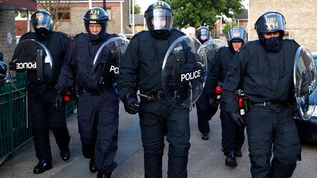 مهاجم مركز الشرطة الباريسي اقام في مأوى للاجئين بألمانيا