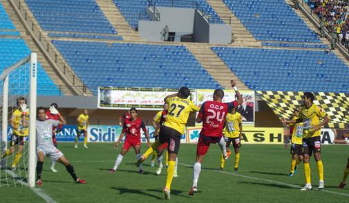 على أرضية ملعب الجديدة…. أولمبيك اسفي يتعادل مع المغرب الفاسي 2-2