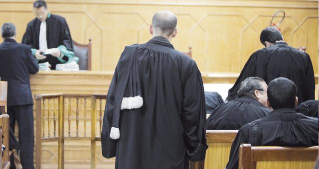 إرجاء البت في العدول عن المسطرة الغيابية في حق قاضي طنجة و الدفاع يتهم قاضيا بالتزوير