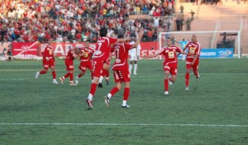 اللاعب كمال البارودي يوقع لفريق الكوكب المراكشي لكرة القدم لأربع سنوات ونصف