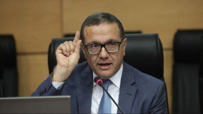 وزير المالية يدافع عن معاشات الوزراء والبرلمانيين