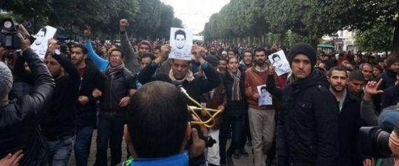 تونس .. مسيرة وسط العاصمة على خلفية وفاة شاب عاطل في ولاية القصرين