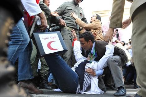 ما وقع للأساتذة من هراوات وقعت فوق رؤوسهم يعتبر جريمة قانونية وسياسية