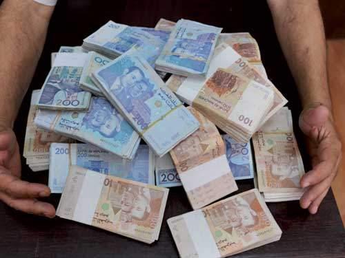 بنكيران يخسر حربه ضد مهربي الأموال