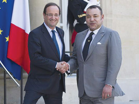 الملك يجري مباحثات مع الرئيس الفرنسي بقصر الإيليزي