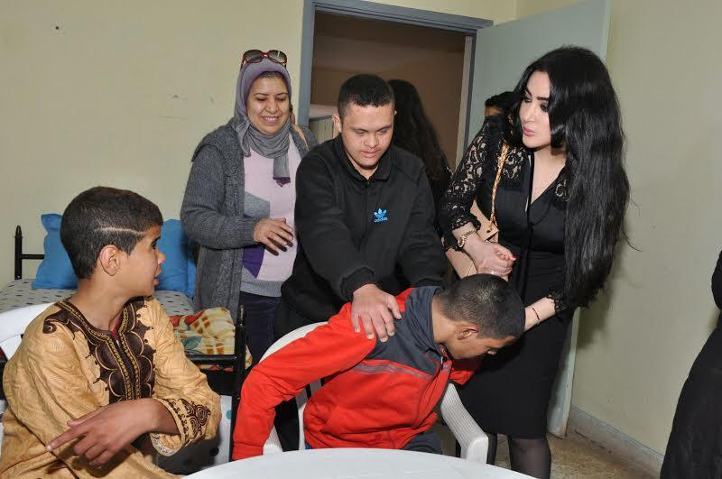 ملكة جمال الشرق الاوسط تزور نزيلات و نزلاء مركب تيط مليل