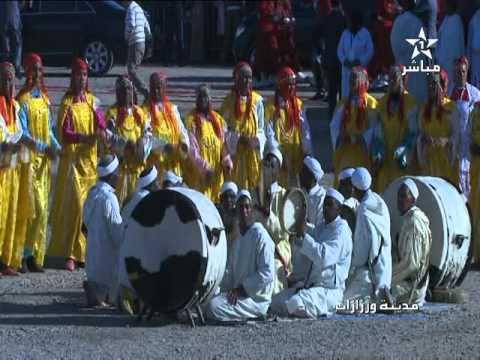 لحظة وصول الملك محمد السادس لمحطة نور1 في ورزازات