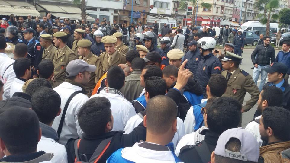 الاساتذة المتدربون يخرجون لاحتجاج بالدار البيضاء والزرواطة تواجههم