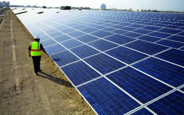 """مركب الطاقة الشمسية """"نور ورزازات"""" .. أكبر محطة للطاقة الشمسية في العالم"""