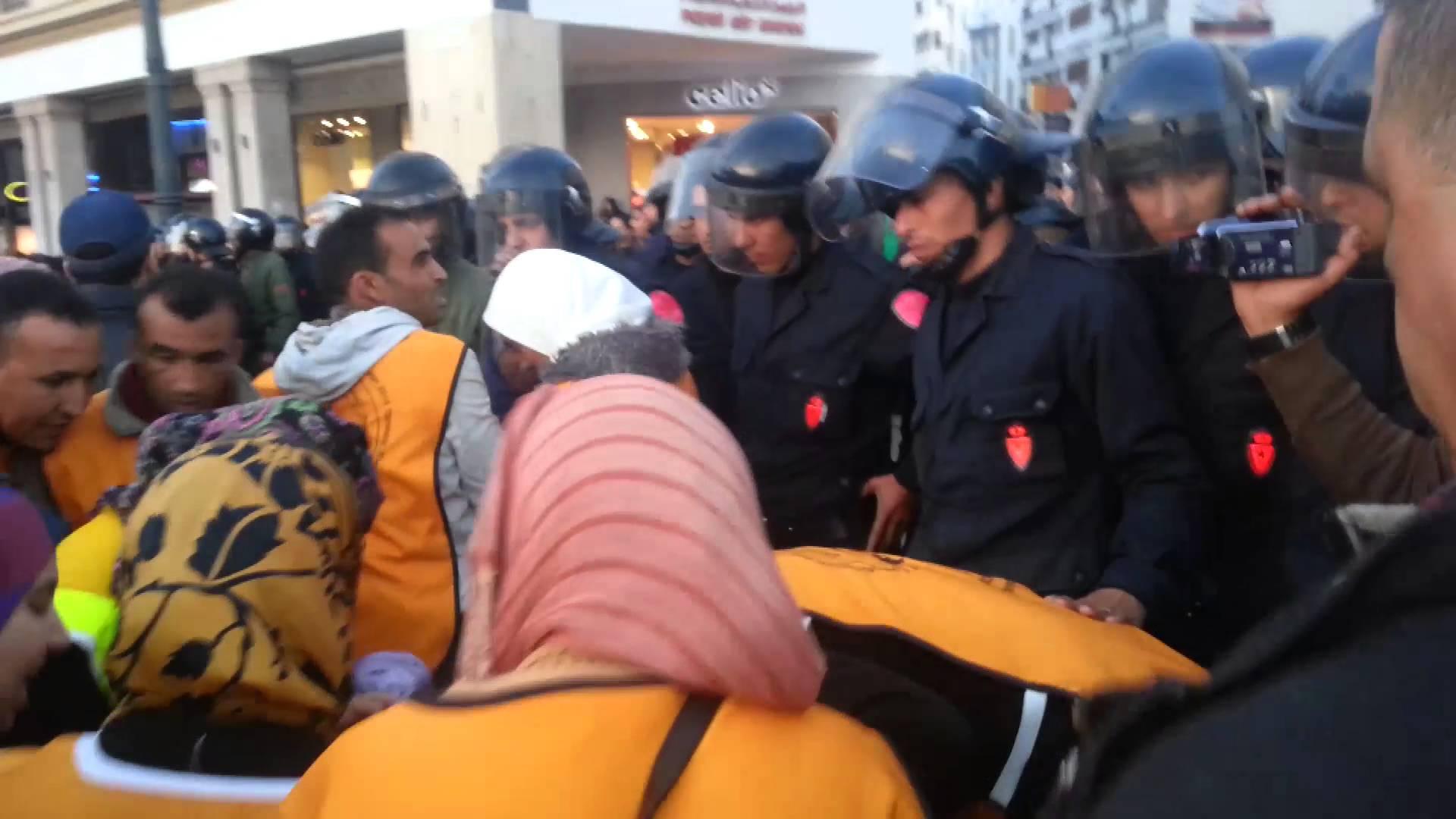 المعطلون وجها لوجه مع رجال الأمن بالرباط