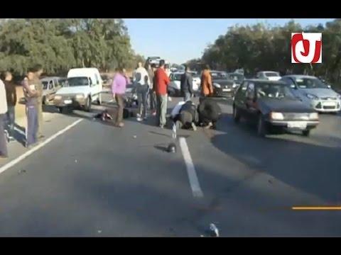 سيارة متوقفة على الطريق بشكل غير قانوني تتسبب في حادثة سير بسيدي علال البحراوي
