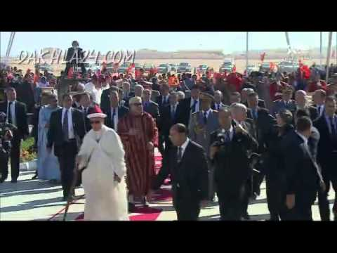 لحظة وصول الملك لقصر المؤتمرات بالداخلة واحتفالات كبرى