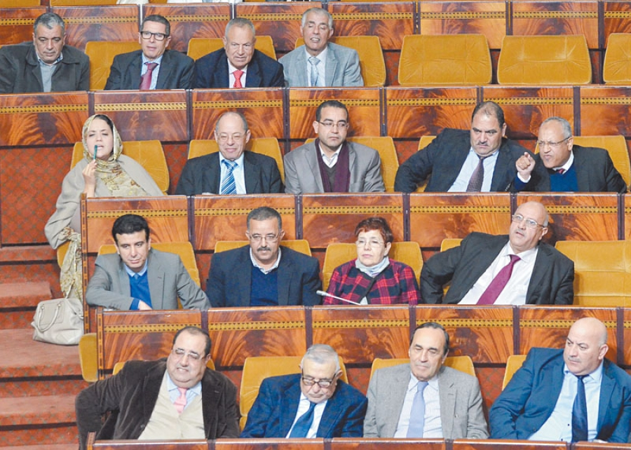 """الإتحاد الاشتراكي يطالب بإسقاط وزيرين من """"بيجيدي"""""""