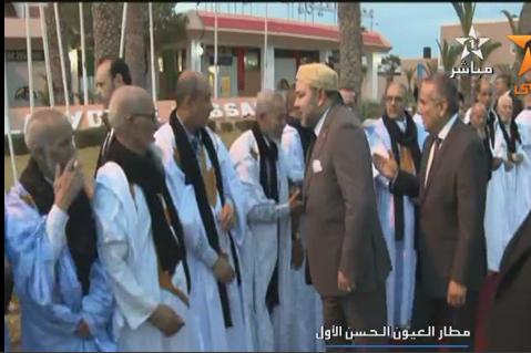 الملك محمد السادس يحل بالعيون