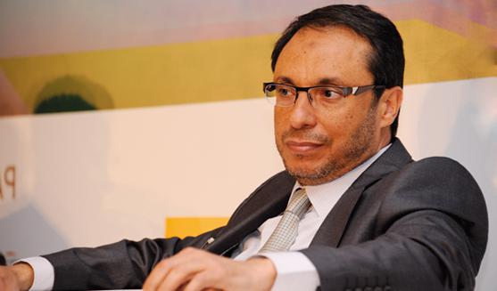 """عبد القادر اعمارة يقول """"إن إمكانيات المغرب لا تسمح بوجود أربعين وزيرا"""