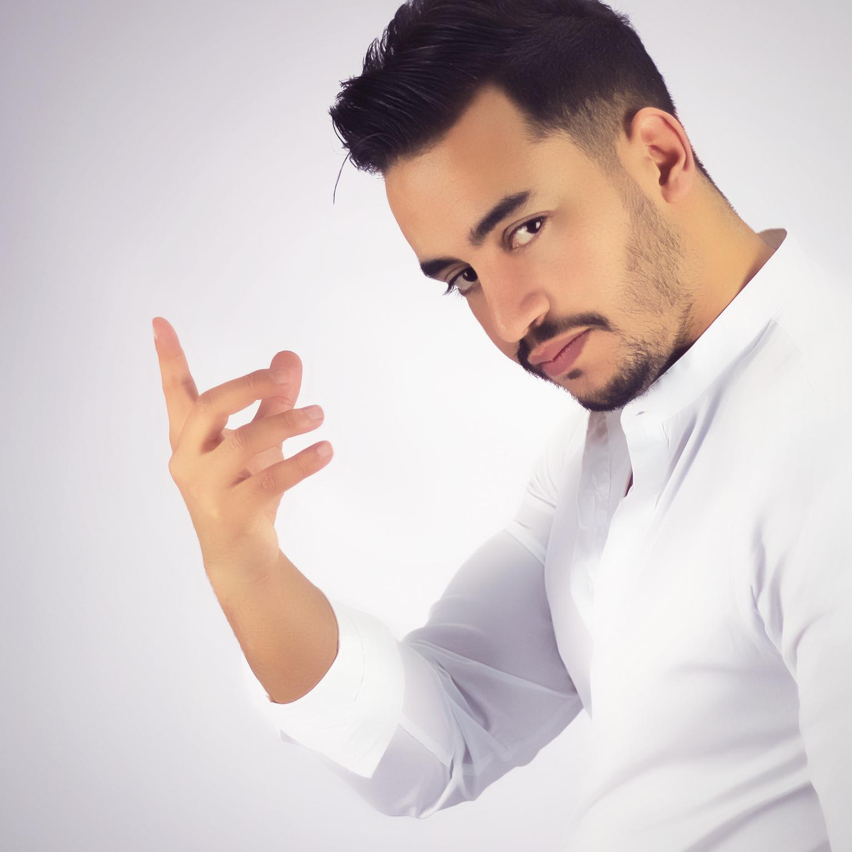 عماد الدراج يستعد لحفل توقيع ألبومه الأول بمدينة طنجة
