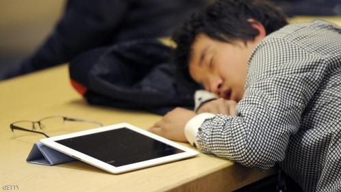 دراسة: القراءة من كمبيوتر لوحي قد تسبب نوما غير مريح