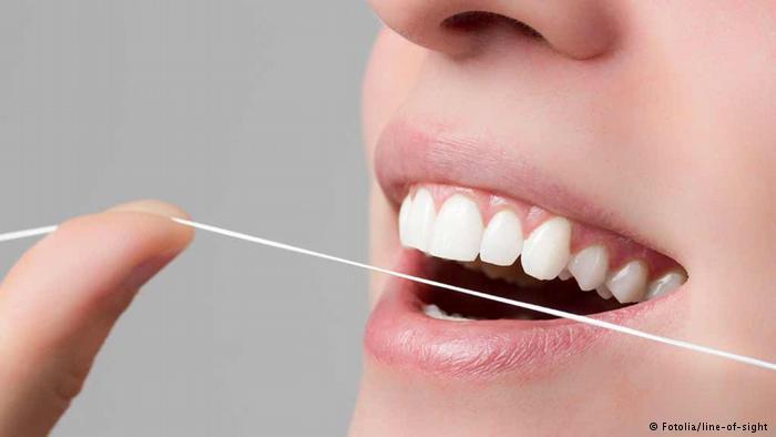 اليكم العادات الخاطئة عند تنظيف الأسنان