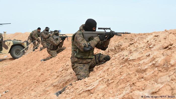 تونس: 45 قتلوا في مواجهات الجيش مع مسلحين إسلاميين
