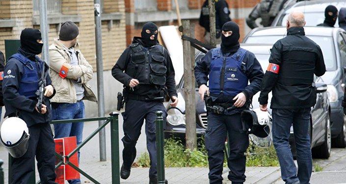 وزير بلجيكي يتهم الشرطة بالفشل في تعقب أحد منفذي تفجيرات بروكسل
