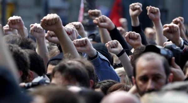 المثقفون المغاربة يخرجون لاحتجاج على بن كيران في المسيرة الاحتجاجية ليوم الأحد