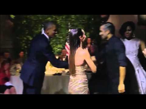 أوباما يرقص رقصة التانغو في الارجنتين