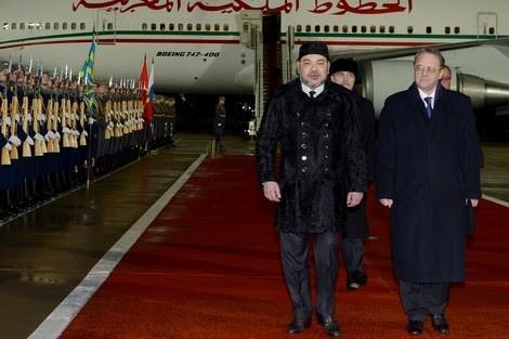 الملك محمد السادس يقوم بزيارة لقبر الجندي المجهول ويتوجه الى الكرملين