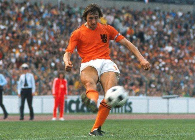 وفاة اسطورة كرة القدم الهولندية يوهان كرويف