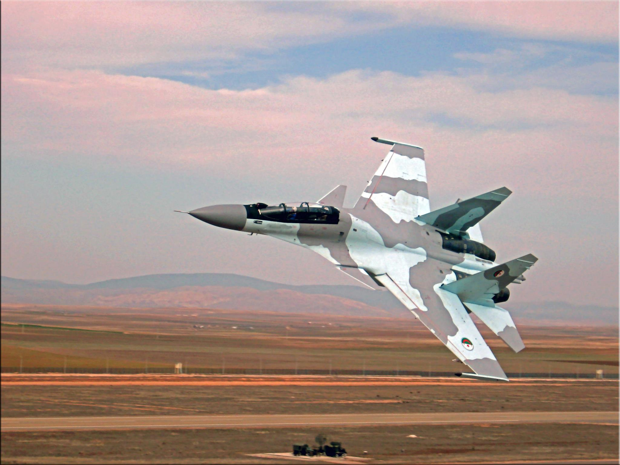 روسيا تمد الجزائر بأربعين طائرة هليكوتبر هجومية طراز ميج-28