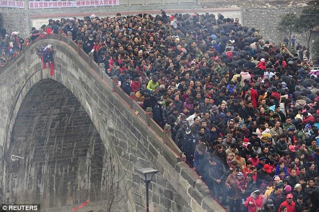 هل تعلم ان عدد سكان دولة الصين سيصل 42ر1 مليار نسمة  في متم 2020