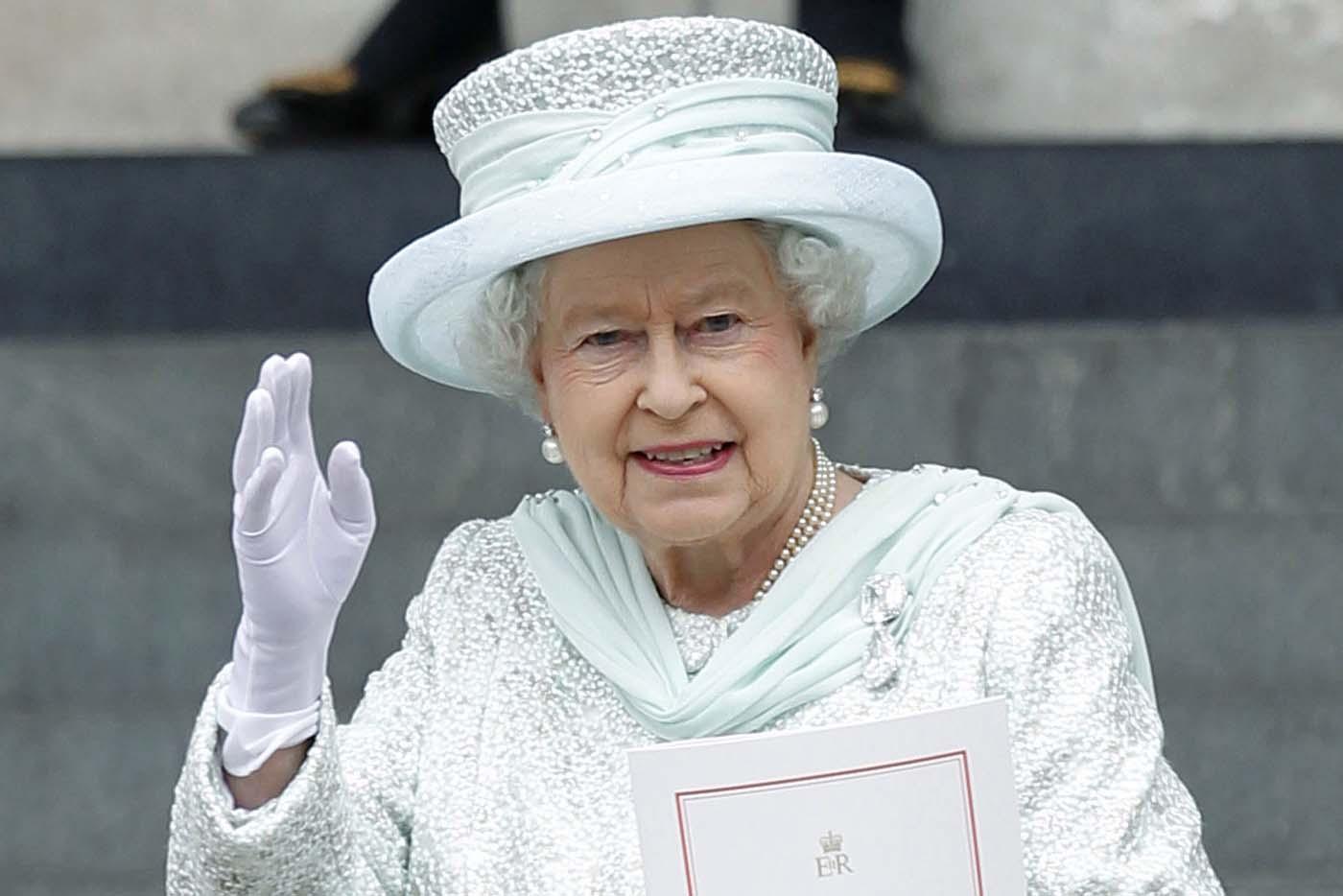 الملكة إليزابيث تحتل بعيد ميلادها التسعين