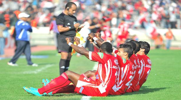 فرض الضرائب على اللاعبين والمدربين