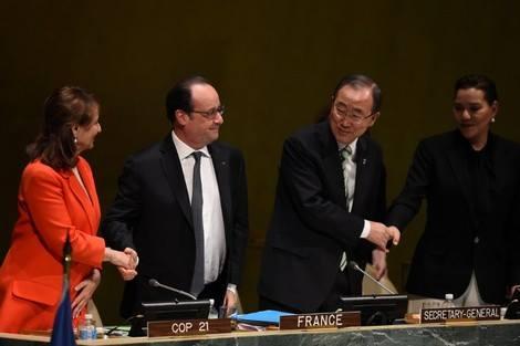 بمقر الأمم المتحدة، افتتاح حفل التوقيع على اتفاق باريس بحضور الأميرة للا حسناء، ممثلة للملك محمد السادس