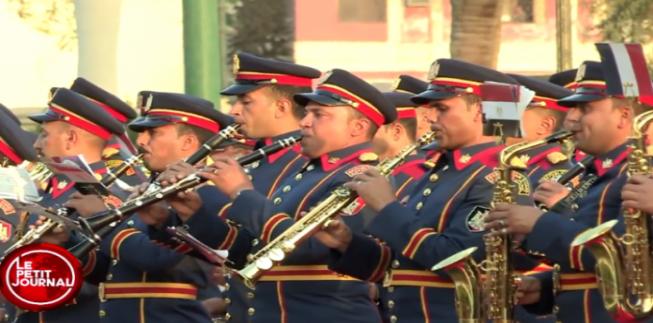 وسائل الإعلام الفرنسية تسخر من فرقة الموسيقى العسكرية المصرية