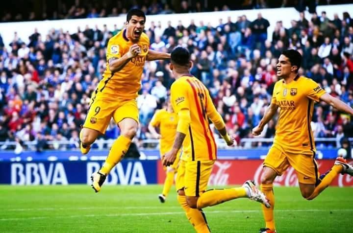 سواريز يعيد الى برشلونة بريقه وانتصاراته بثمانية في شباك ديبورتيفو