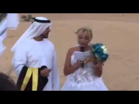 إماراتي يتزوج بفرنسية بطريقة غريبة في الصحراء