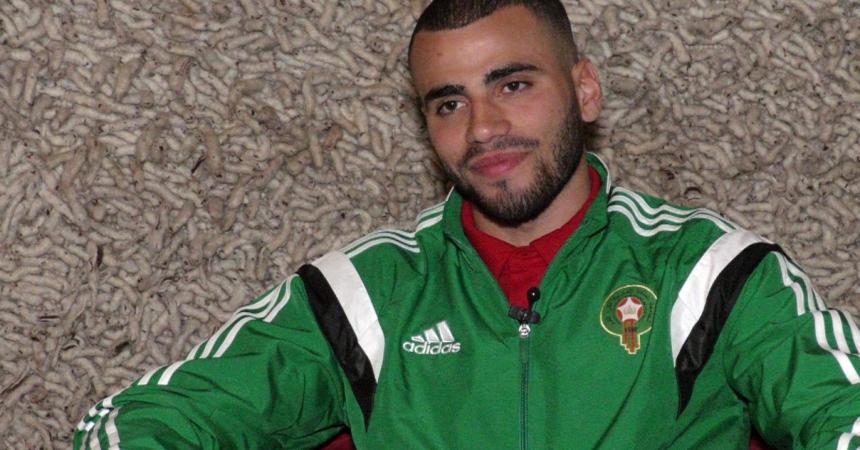 الإصابة تهدد مشاركة طنان رفقة الأسود في مواجهة المنتخب الليبي