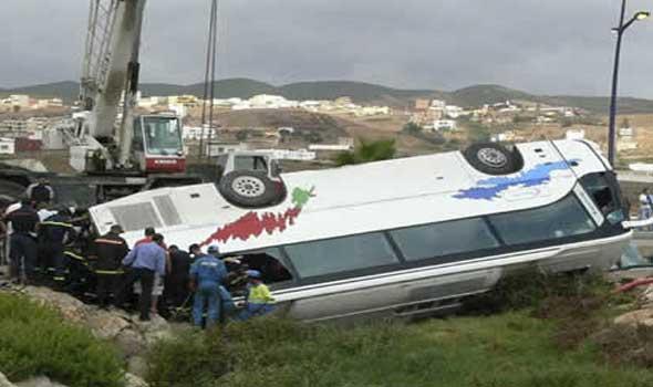 فاجعة: إصابة 11 لاعبا من فريق يعقوب المنصور لكرة القدم بعد حادث انقلاب حافلة كانت تنقلهم